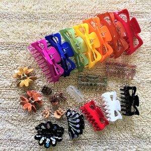 Accessories - 22 Claw Hair Clips Gorgeous Colors Several Sizes